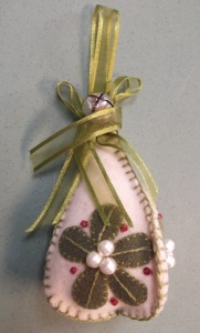Make N Take Ornament by Wild Wooly Women